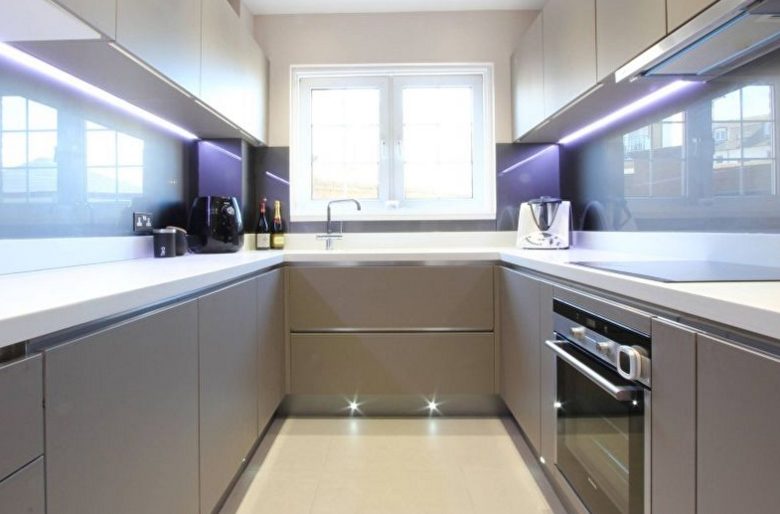 Мебель для узкой кухни