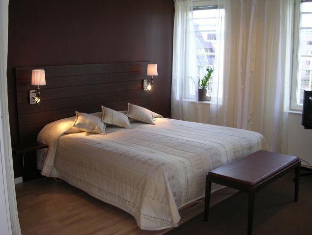 Как выбрать бра для спальни