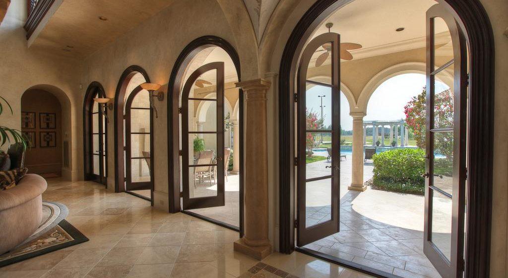 Дизайнерские двери: настоящая изюминка интерьера