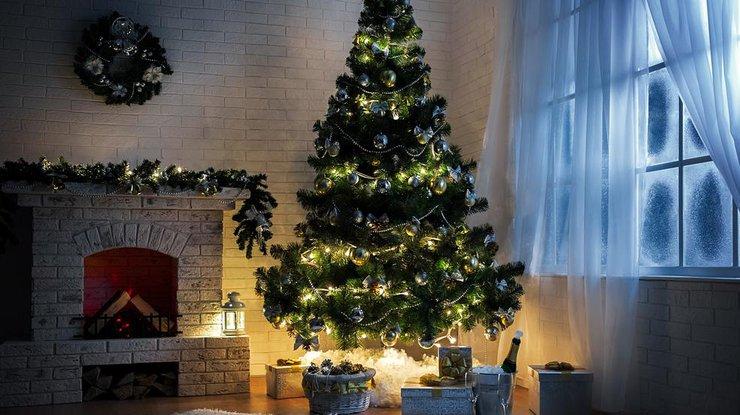 Искусственные елки: незаменимый символ Нового Года