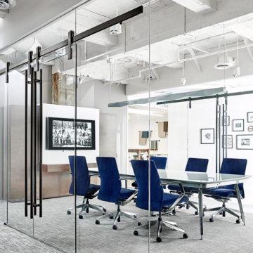 Выбираем стеклянные перегородки для обустройства офиса