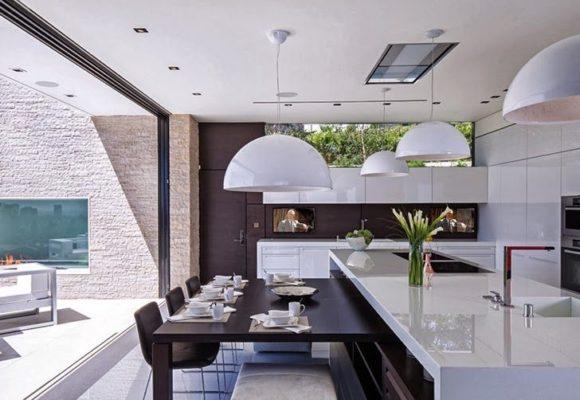 Роль столешницы в современном кухонном гарнитуре