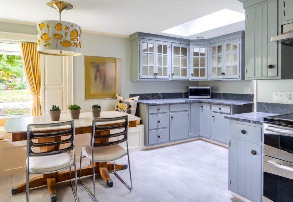 Индивидуальная или готовая кухонная мебель